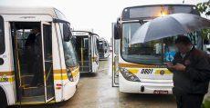2014.07.23 - Porto Alegre/RS/Brasil - Servidores da Carris param linhas T3 e T4 por falta de segurança.   Foto: Ramiro Furquim/Sul21.com.br