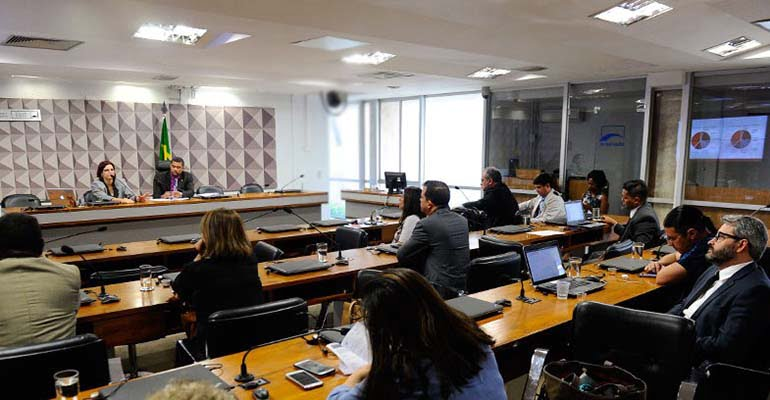 Subcomissão encarregada de elaborar Estatuto do Trabalho organiza agenda de atividades