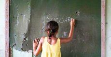 Sem merenda escolar, aluno desmaia de fome a 5 km de casa