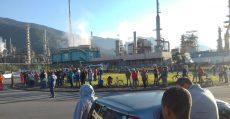 Greve dos Petroleiros: na refinaria de Cubatão, desde a madrugada, trabalhadores mobilizados