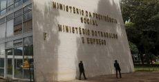 Ministério do Trabalho suspende concessão de registros sindicais