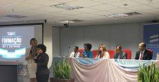 Transexuais e travestis concluem formação de lideranças políticas
