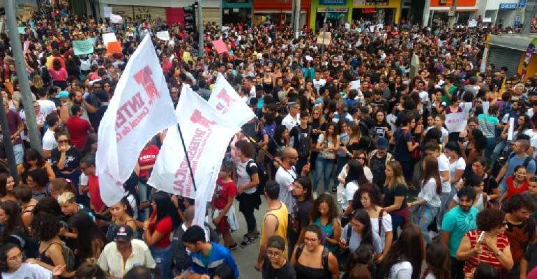 Interior paulista mobilizado em defesa da aposentadoria e da educação!
